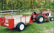Model 1200 Manure Spreader 75 Bushel Capacity